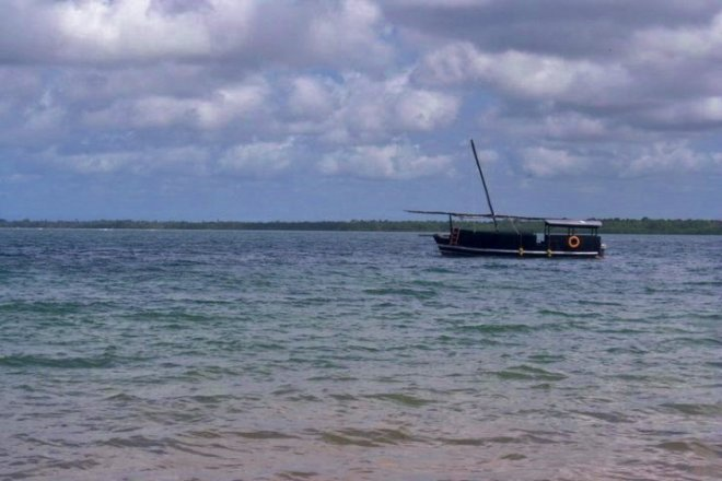 The Dhow - impossible to climb into from a speedboat...