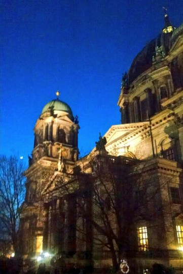Berliner Dom & the moon