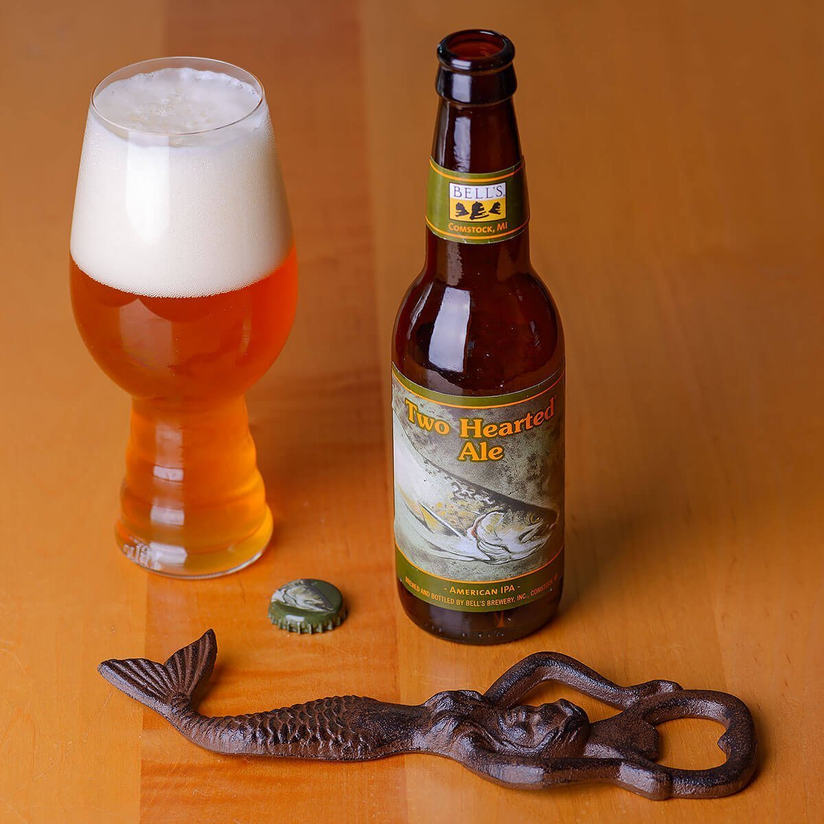 Two Hearted Ale is an American IPA by Bell's Brewery, Inc. that brilliantly balances Centennial powered hops flavors of citrus and pine with a hefty malt backbone.