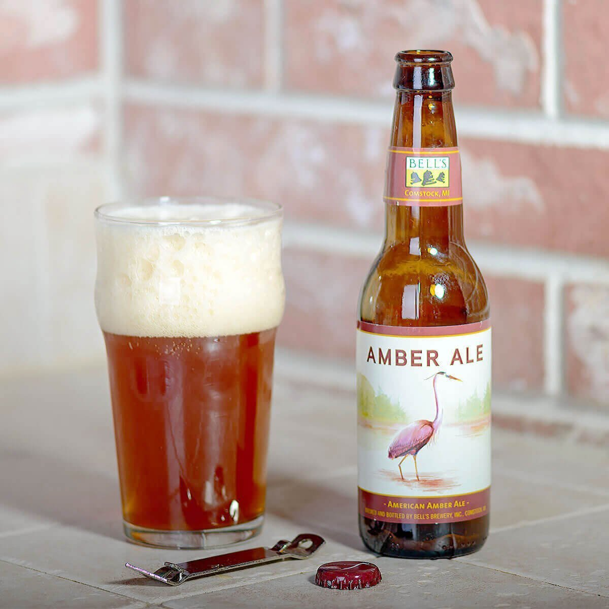 Bell's Amber Ale is an American Amber Ale by Bell's Brewery, Inc. that delivers ample hop flavor with toasty bread and caramel malt.