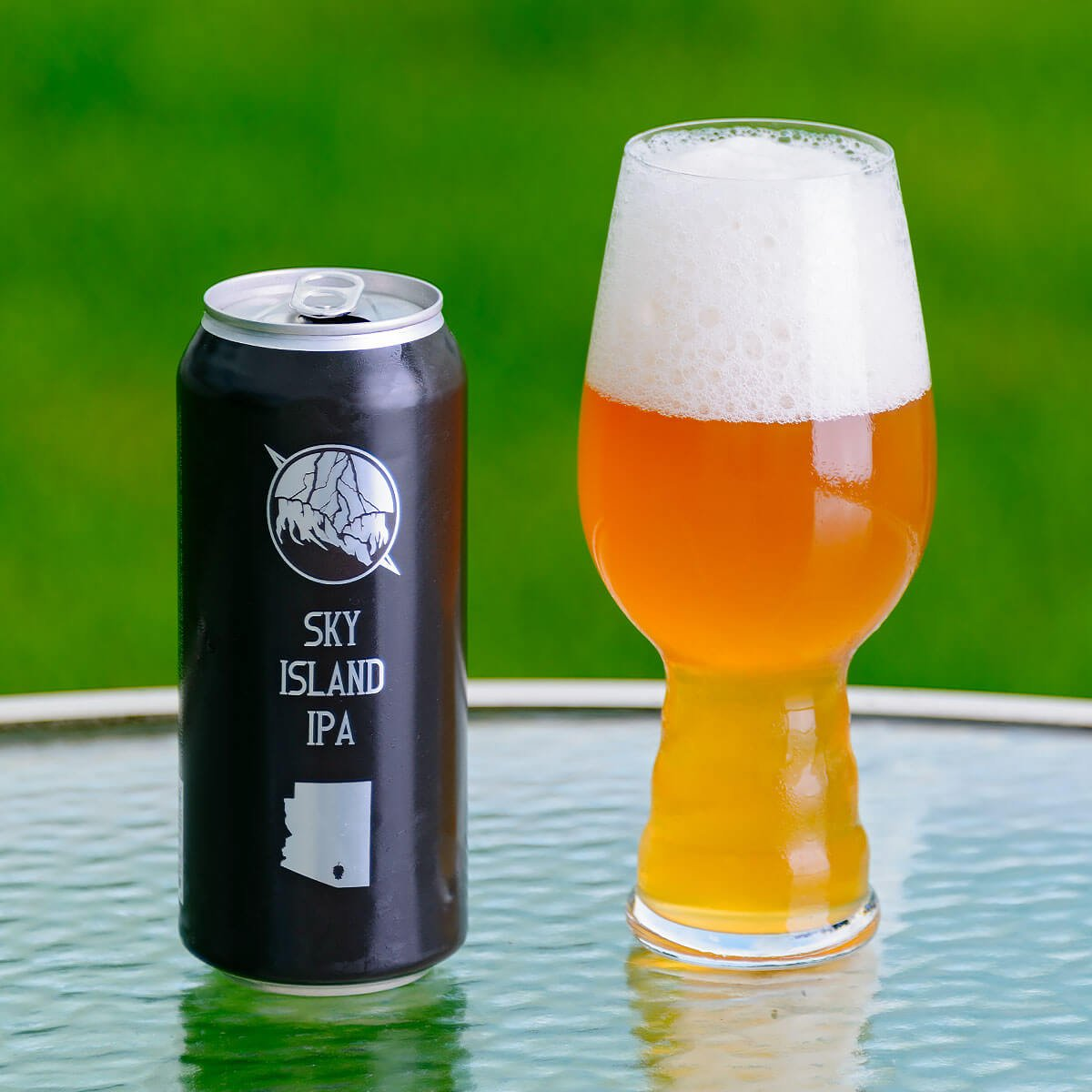 Sky Island IPA is an American IPA by Thunder Canyon Brewstillery that blends bright citrus, pine, and resin with sweet and juicy tropical fruit.