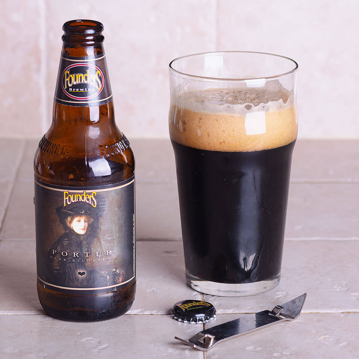 Founders Porter is an American Porter by Founders Brewing Co. whose roast malt and hops are balanced by sweet chocolate and caramel.