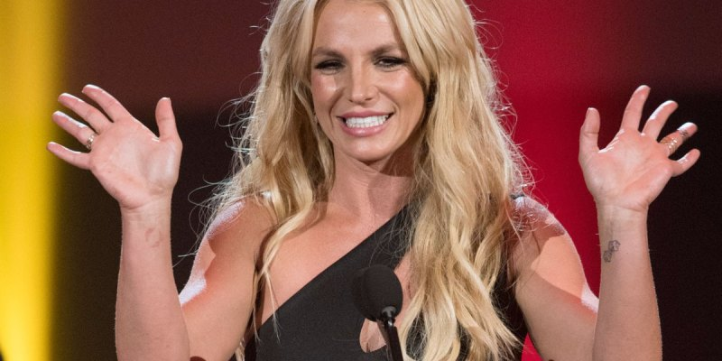 Britney Spears honored with a second Vanguard Award!