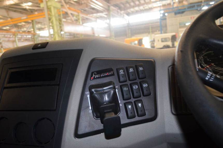 Mahindra-Blazo-Smart-truck-9