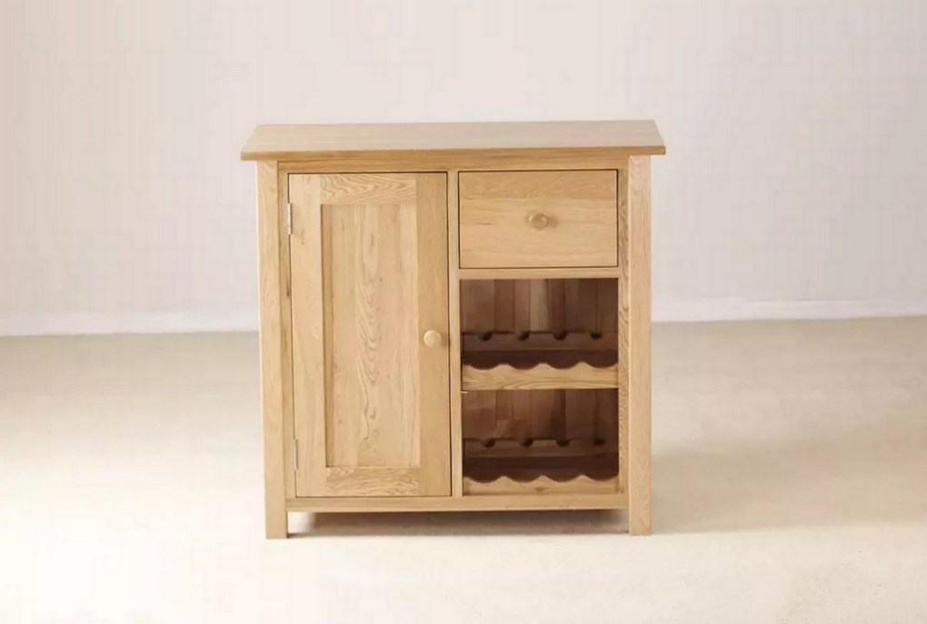 Made from solid oak, the Homestead has a cupboard for your ice bucket and glasses, drawer for your bottle opener and paraphernalia along with room for 8 of your favourite bottles.