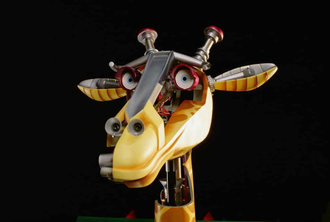 Feature image- Robot Giraffe _ The Robot Zoo