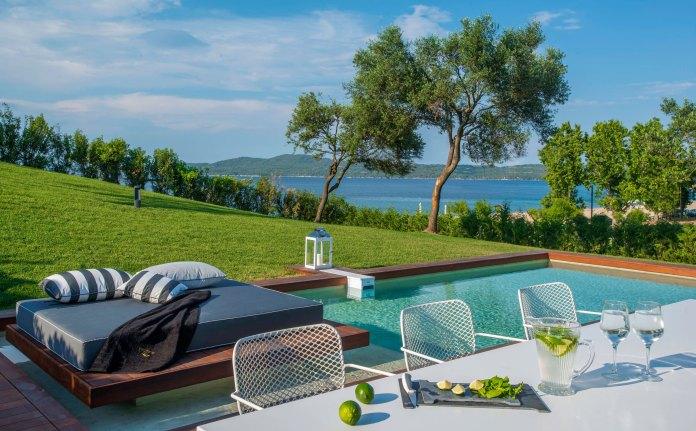 Take me to Avaton – luxe Greek villas for honeymoon bliss