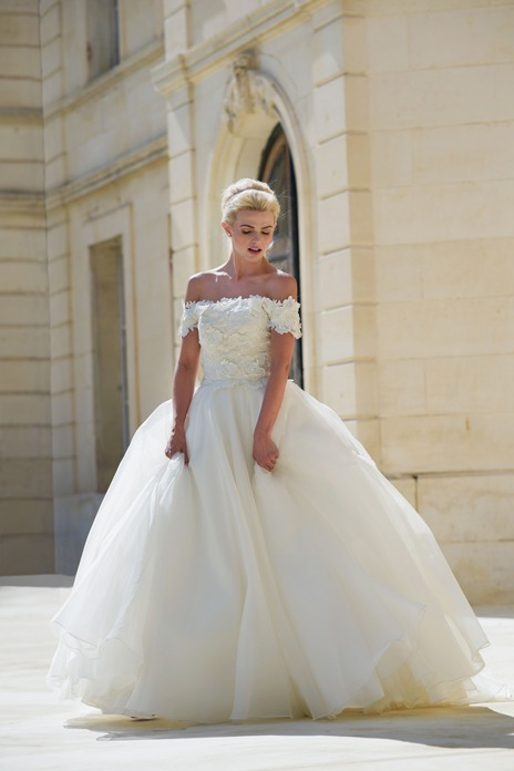 Lyn Ashworth to open new bridal showroom in the heart of England