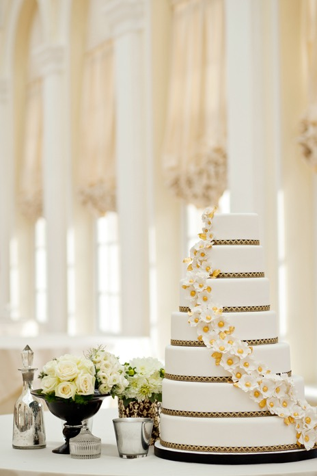 Eight dream wedding cakes