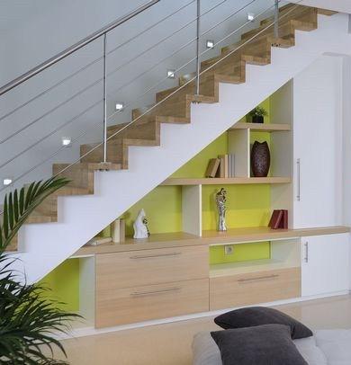 amenager l espace sous un escalier