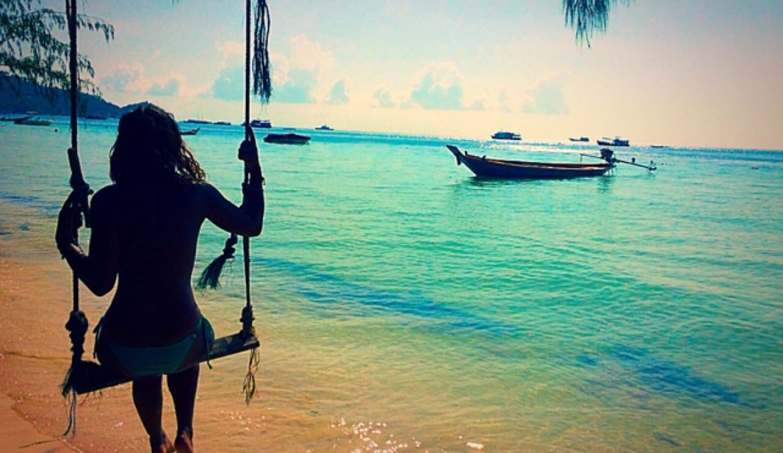 Absolutely Lucy on swing, Koh Tao, Sairee Beach