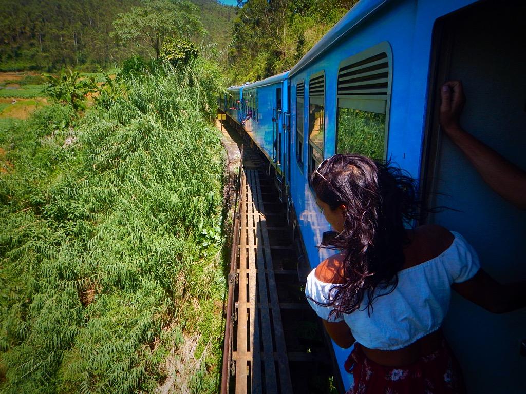 Ella to Kandy train ride Sri Lanka 2 week itinerary