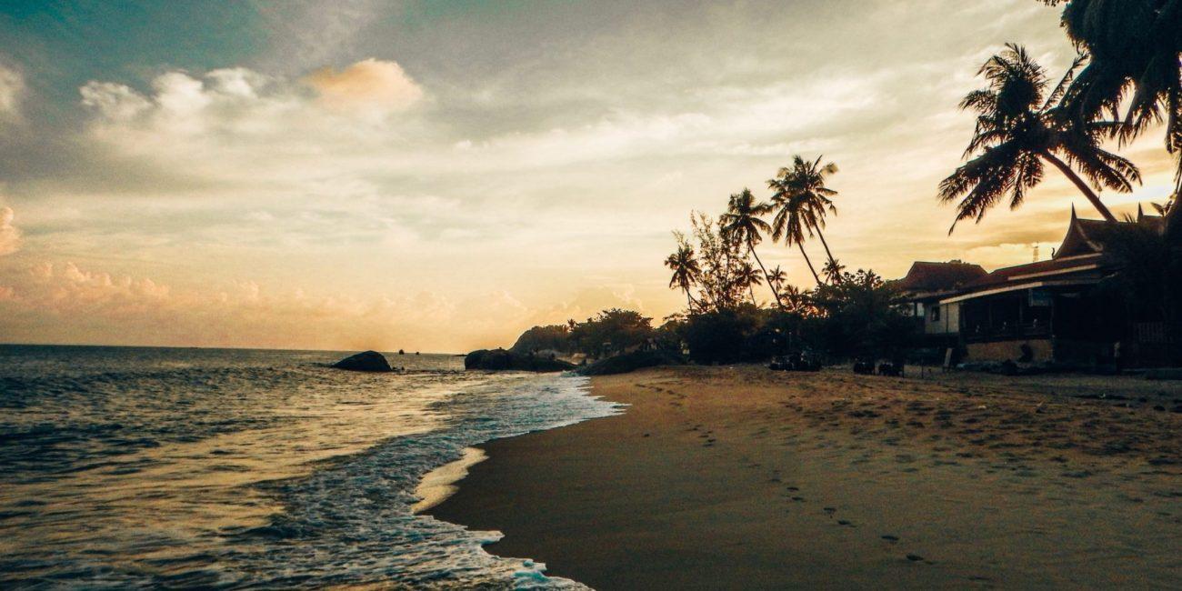 Hidden beaches in the Philippines, Sri Lanka