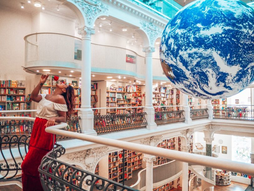 Libraries around the world, Carturesti Carusel bookshop in Bucharest, Romania