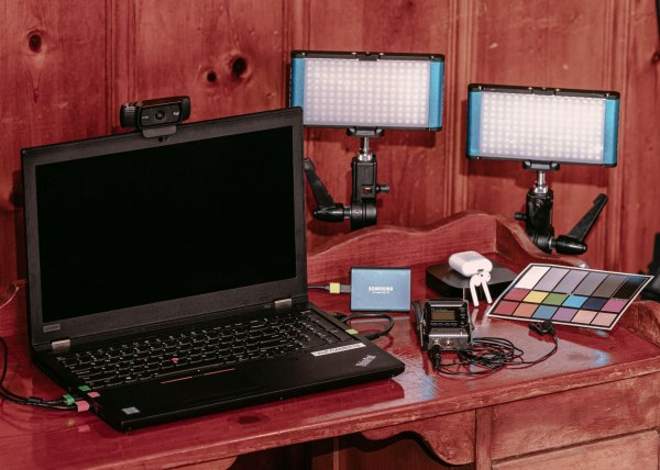 Remote Live Interview Stream Kit Virtual Roundtable