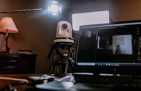 Live Interview Kit with Panasonic 4K PTZ Robocam