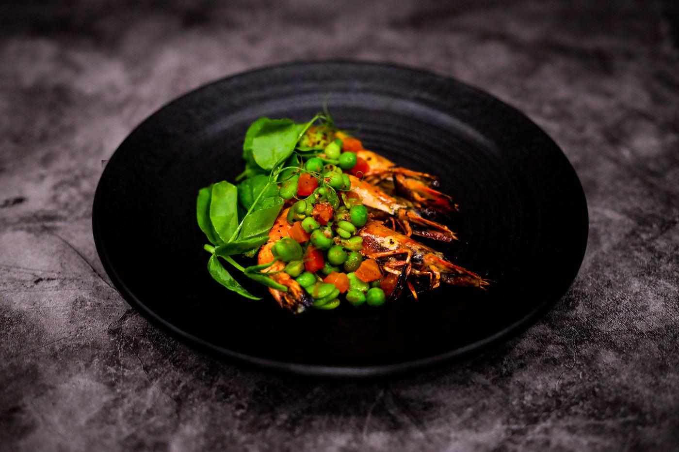jumbo tiger prawns absteak la by chef akira back