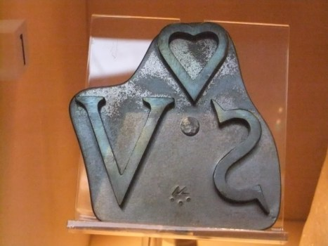 Slave_branding_iron_(replica),_Museum_of_Liverpool