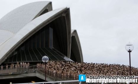 5000 nudi davanti all'Opera House di Sydney
