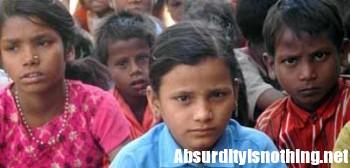 A 12 anni diventa insegnante in una scuola indiana