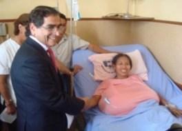 Julia Manihuari - A letto per 6 mesi per colpa del seno troppo  grande