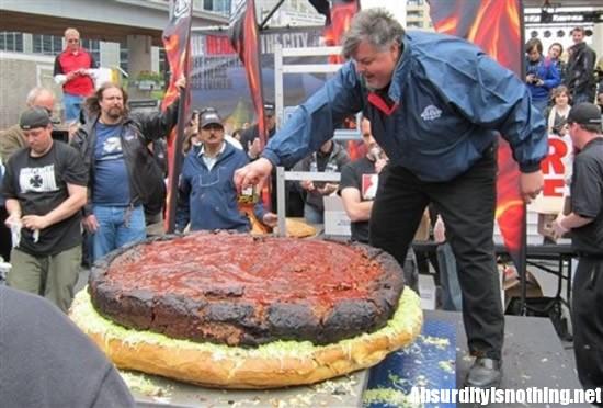 Tom Reader - L'Hamburger più grande del mondo
