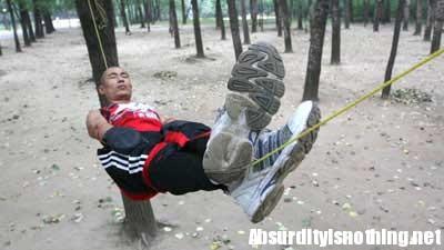 Gao Yang - L'uomo che dorme su una corda