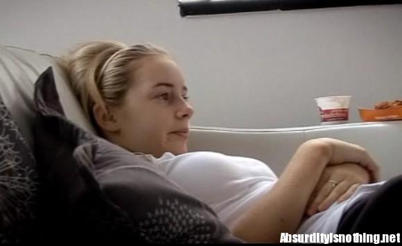 Louisa, la ragazza che dorme per 10 giorni consecutivi