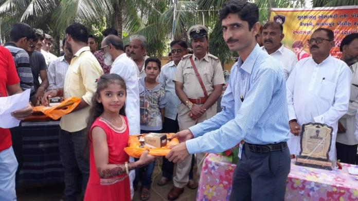 a-unique-celebration-of-rakshabandhan-by-the-security-bridge-society-at-madhavpur-ghed