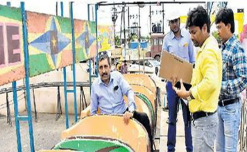 in-jamnagar-the-folklore-is-still-suspended-today-due-to-mechanical-rides