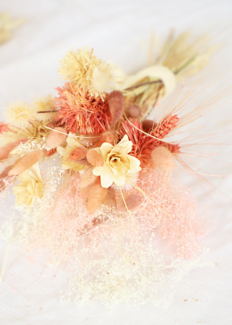 dried floral bouquets
