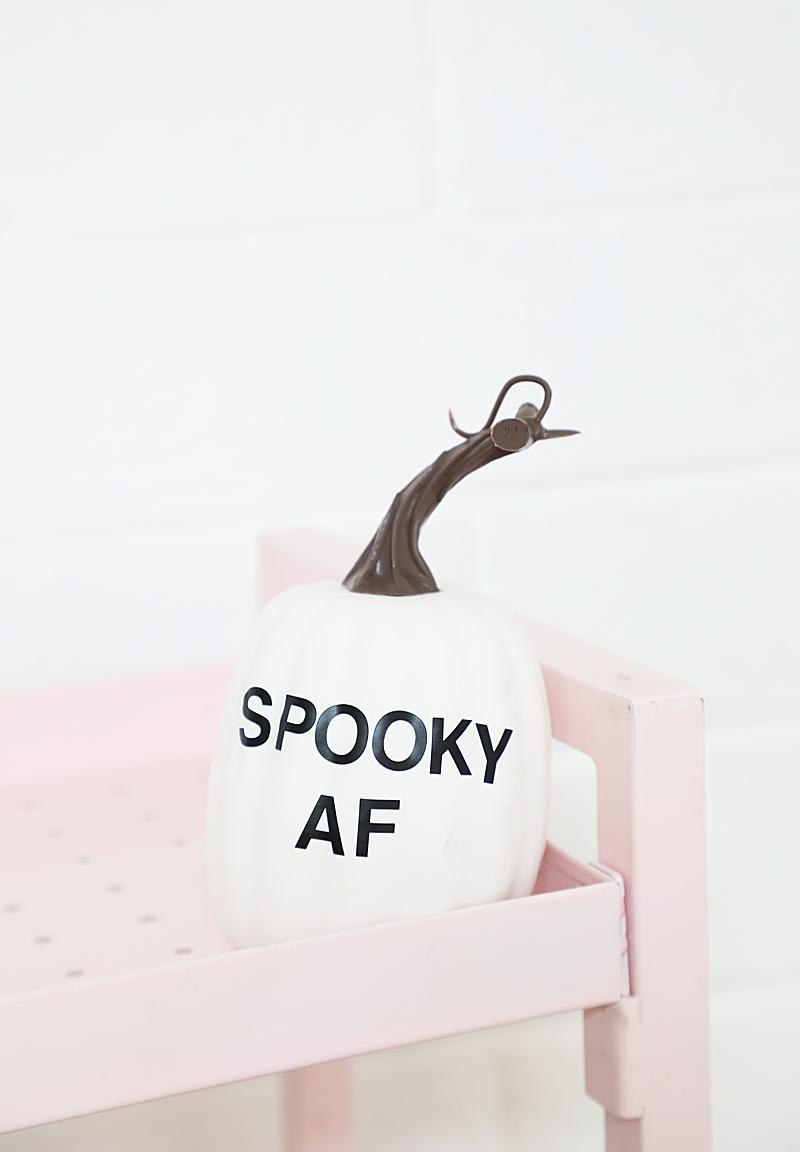 funny typography pumpkins, spooky af