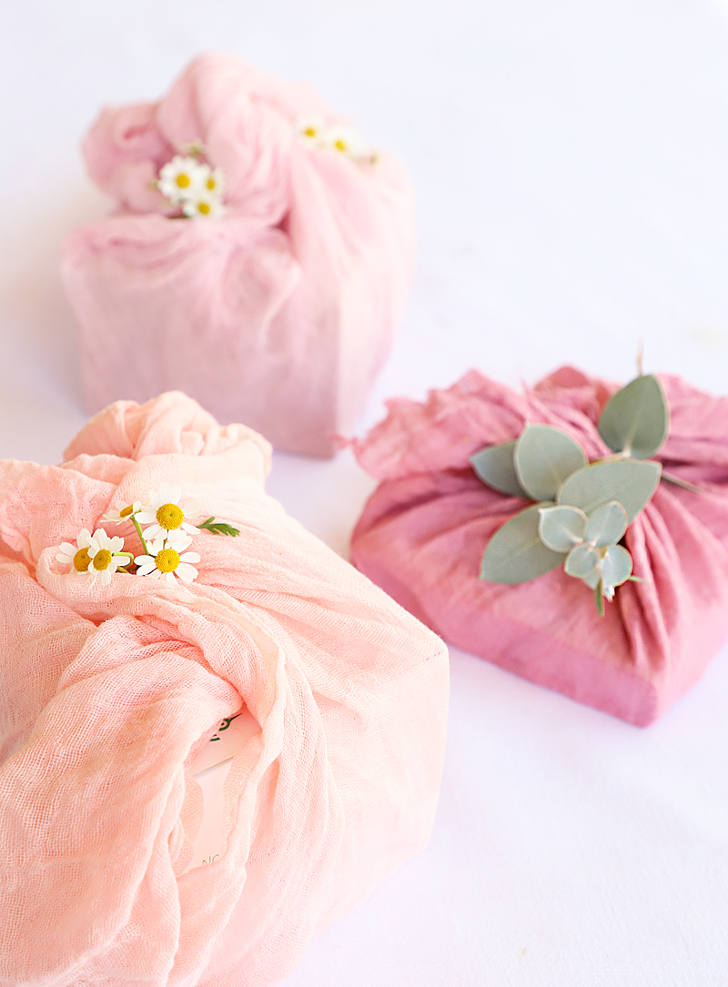 gift wrap using kool aid dyed cheesecloth