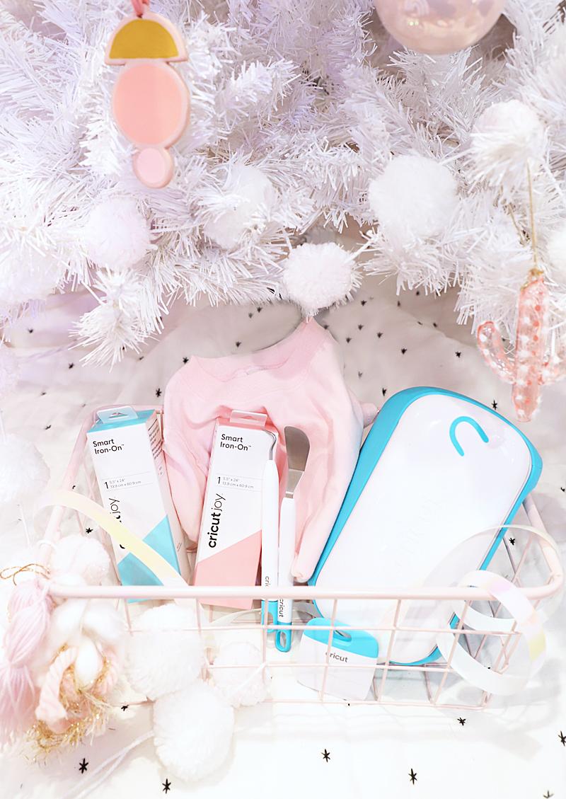 cricut joy gift set for the holidays