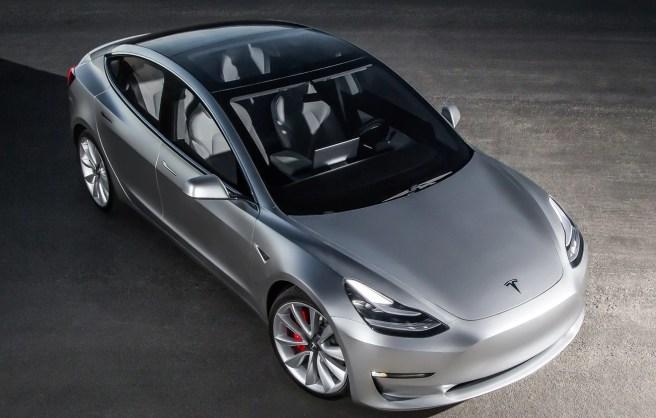 2017-Tesla-Model-3-top-view-e1462810146195