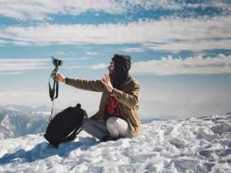 الناس الثلوج الباردة الشتاء