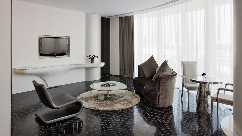 Yas Viceroy Abu Dhabi Hotel 8