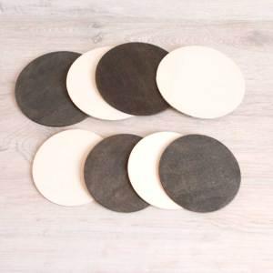 Piezas sueltas de madera para bebé en blanco y negro