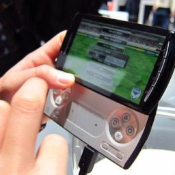 Sony Ericsson XPERIA Play feels pretty good to hold. Hope the games deliver!
