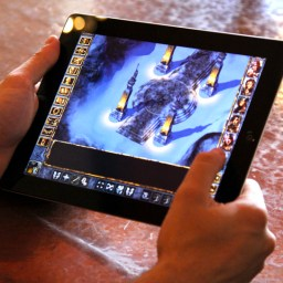 Baldur's Gate Enhanced Edition is reborn into the iPad (and other platforms)