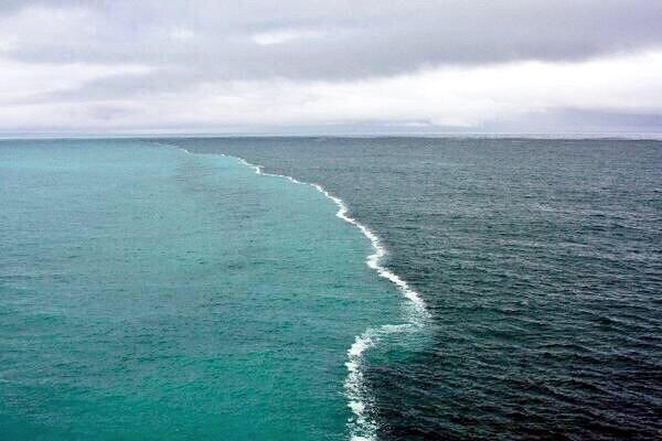 البرزخ بين البحار