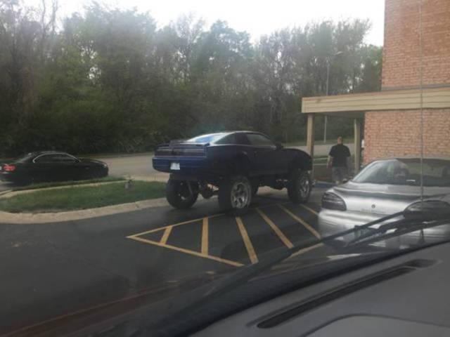 تعديلات سيارات غريبة