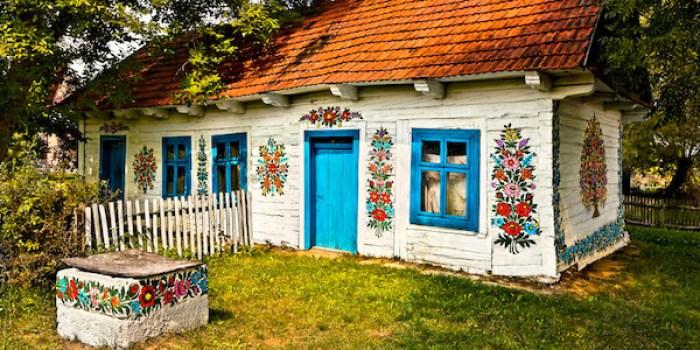 القرية المُغطاة بالزهور