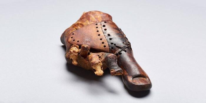 إصبع قدم اصطناعي يبلغ من العمر 3000 سنة في مصر