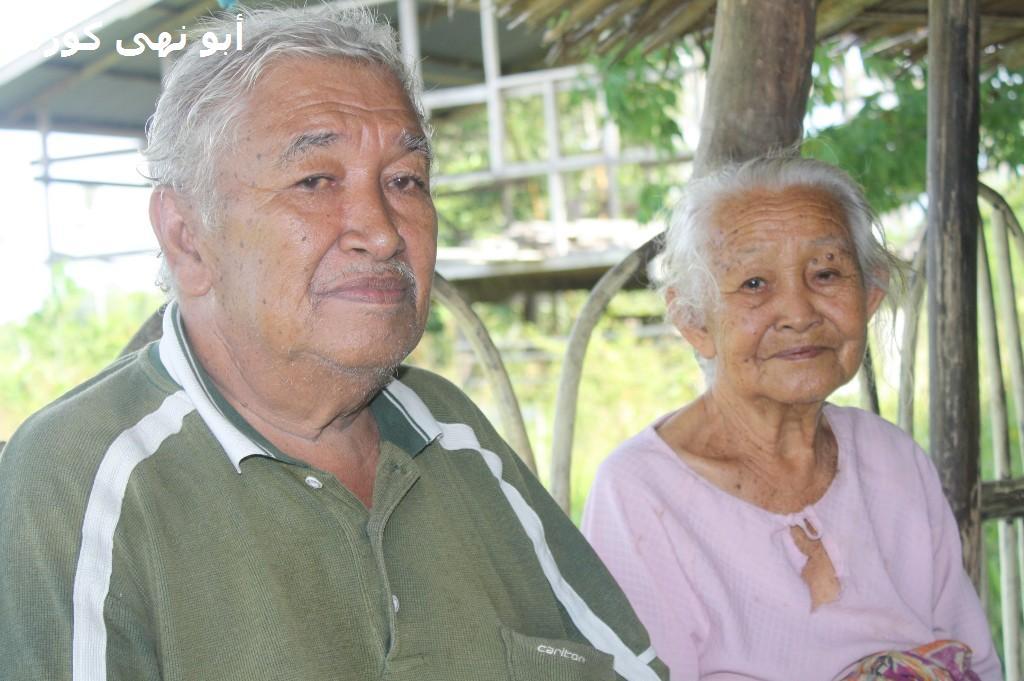 Pakcik Dunsudin, 61 bersama ibunya Nenek Madayang 91 tahun