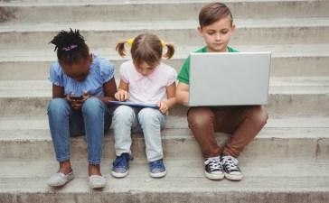 إدمان الأطفال على التكنولوجيا