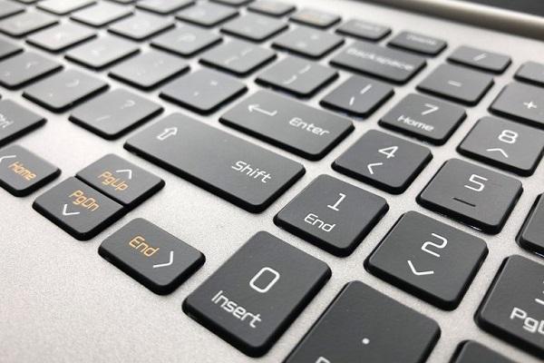 لوحة مفاتيح حاسب LG gram