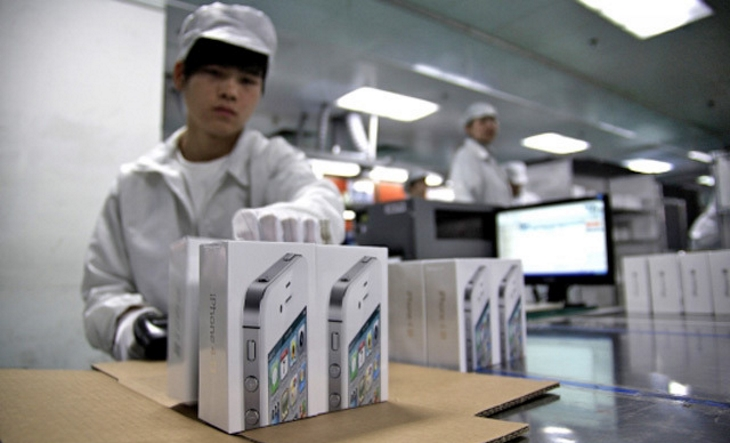 foxconn-manager-steals-thousands-of-apple-iphones-1