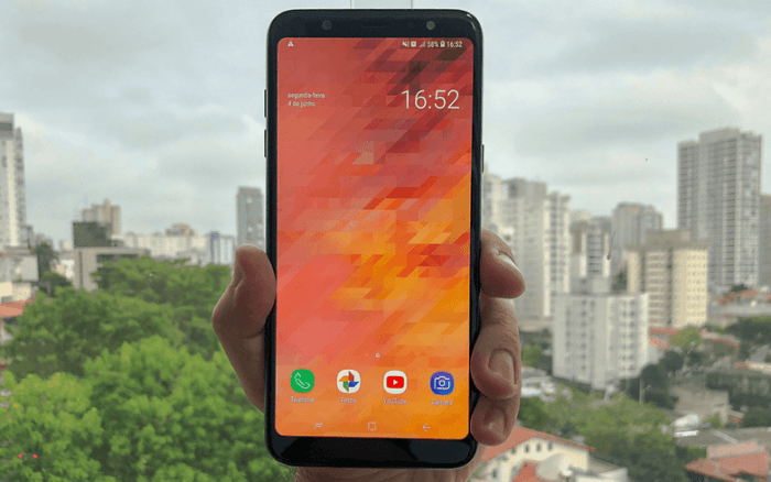 Galaxy A6+ Display