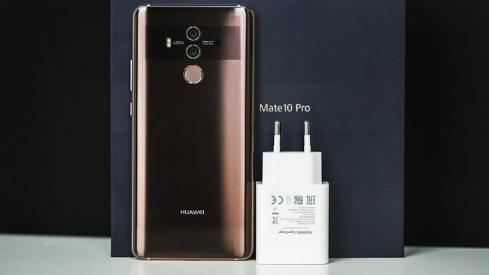Huawei Mate 10 Pro Box and Charger